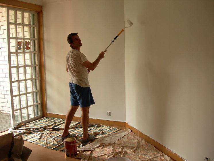 Come imbiancare le pareti di casa