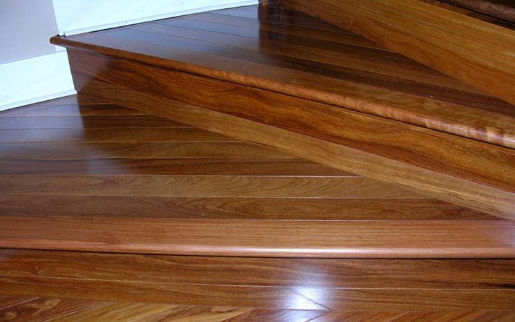 Scorcio di una gradinata in legno