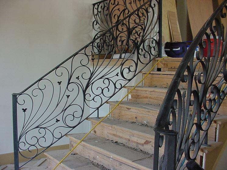 Eleganti scale in ferro