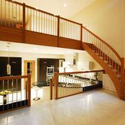 Scala in legno moderna