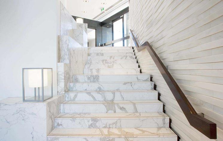 Scale marmo per interni scale per casa caratteristiche delle scale in marmo per inetrni - Scale in granito per interni ...