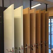 Porte in legno lamellare