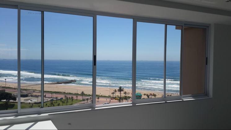 Ampie finestre scorrevoli