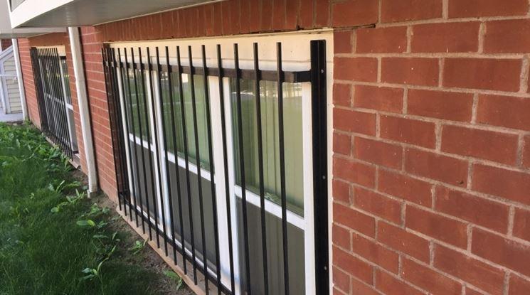 Inferriate alle finestre finestre tipologie inferiate - Si espongono alle finestre ...