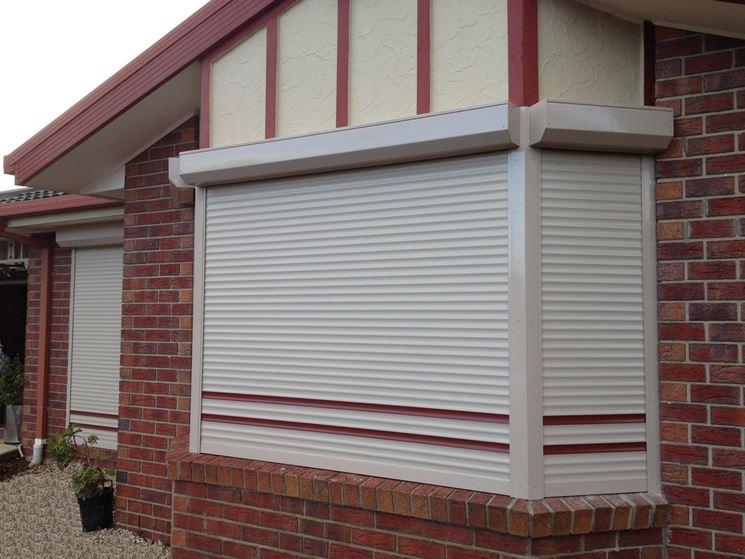 Le tapparelle finestre tapparella finestra for Finestre pvc con tapparelle