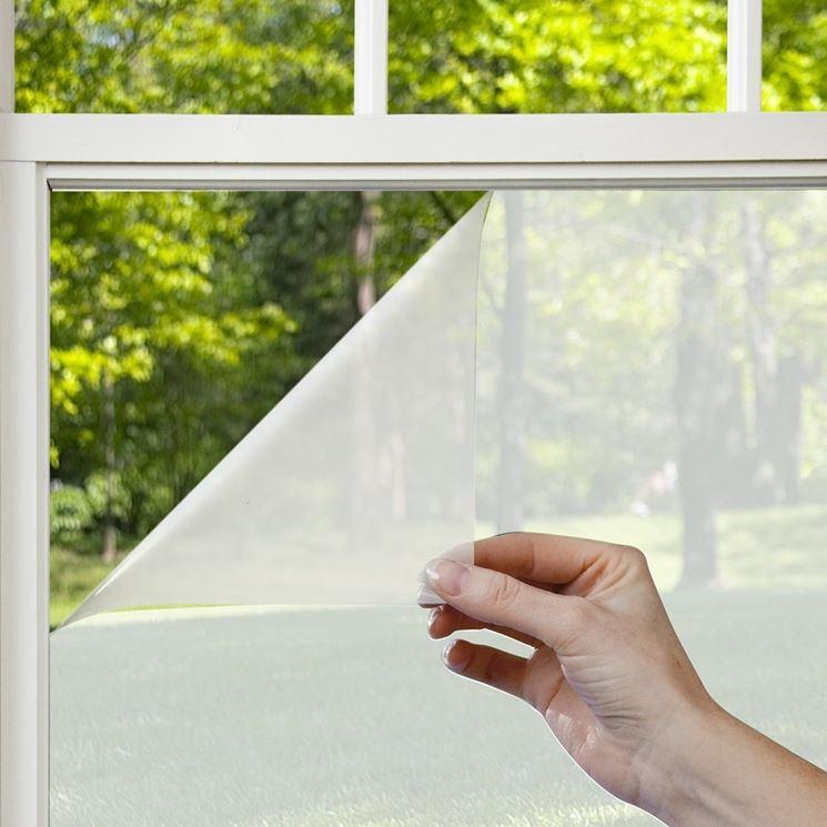 Pellicole adesive per vetri finestre installare - Pellicola finestre privacy ...