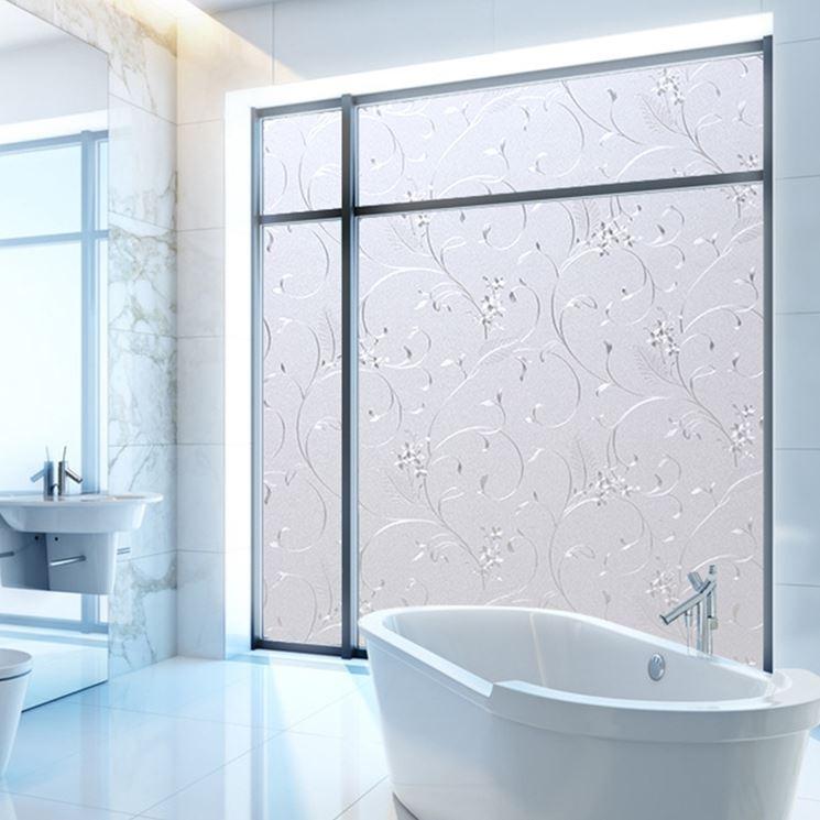 Pellicole adesive per vetri finestre installare pellicole adesive per vetri - Oscurare vetri casa ...