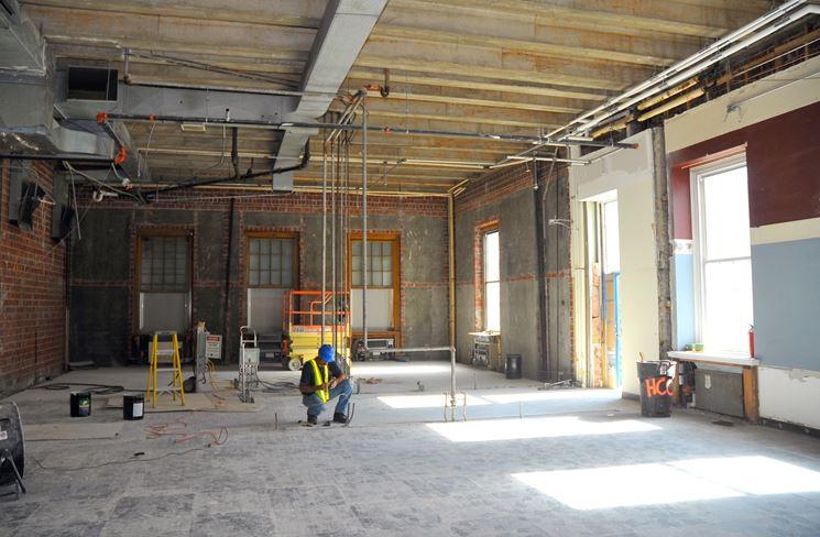Opera edile in un ambiente interno