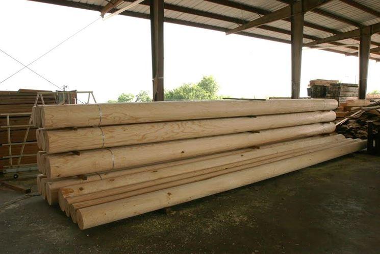 Pali di fondazione in legno