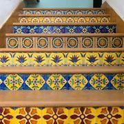 Piastrelle colorate per gradini