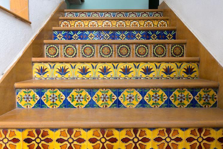 Gradini - Le piastrelle - Come rivestire i gradini