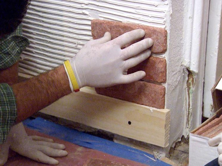 Applicazione piastrelle parete
