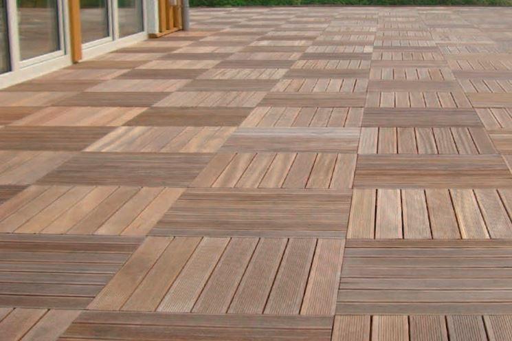 Pavimentazioni esterne piastrelle di piccolo o grande piastrelle