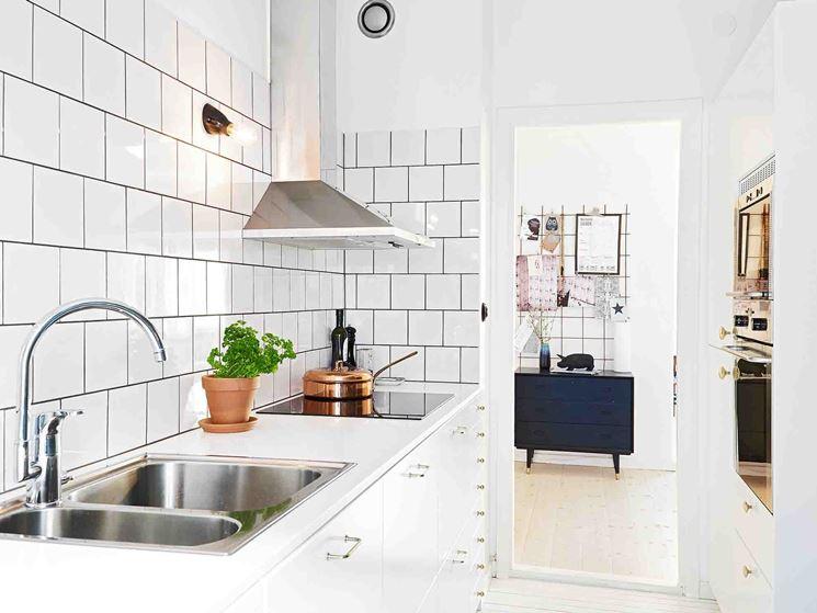 Piastrelle per cucina lisce, quadrate e bianche