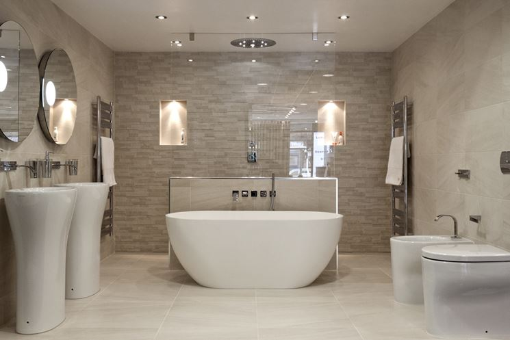 https://www.casapratica.net/materiale-fai-da-te/le-piastrelle/rivestimenti-bagno_NG1.jpg