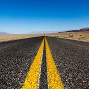 Strada in asfalto