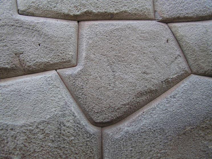 parete in cemento decorato