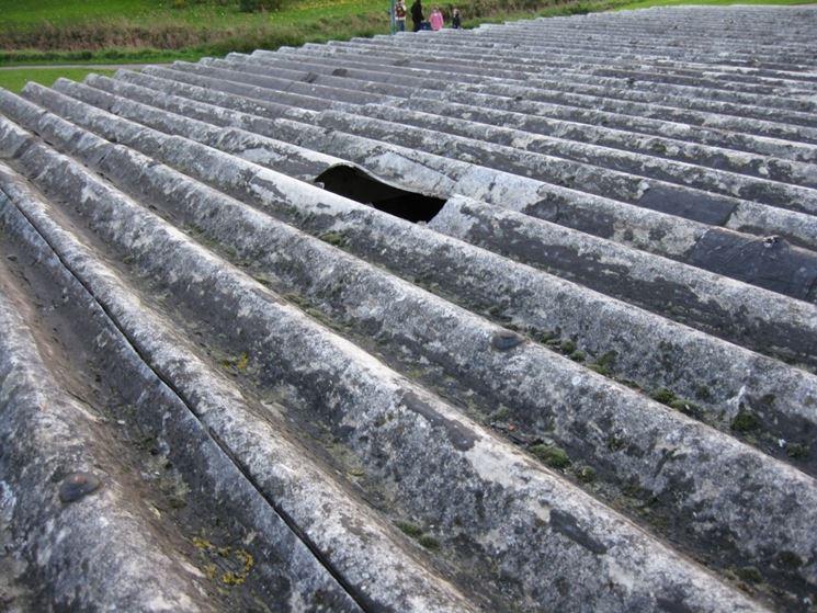 Copertura tetto in amianto deteriorata