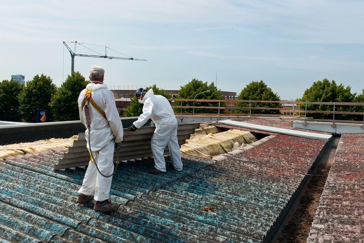 Rimozione delle tettoie in amianto