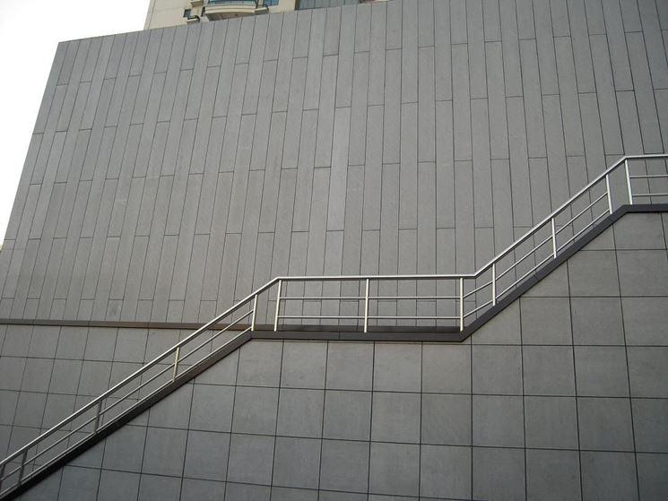 Edificio costruito con pannelli di cemento
