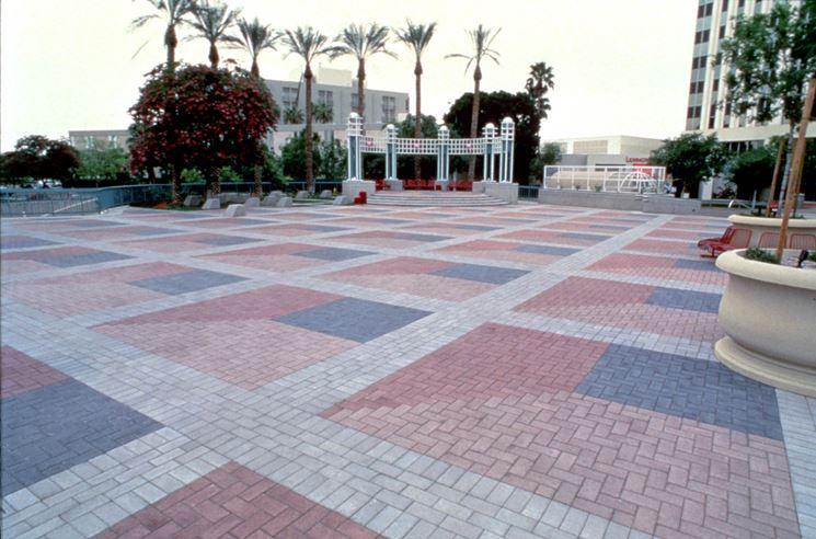Pavimentazione con mattoni autobloccanti