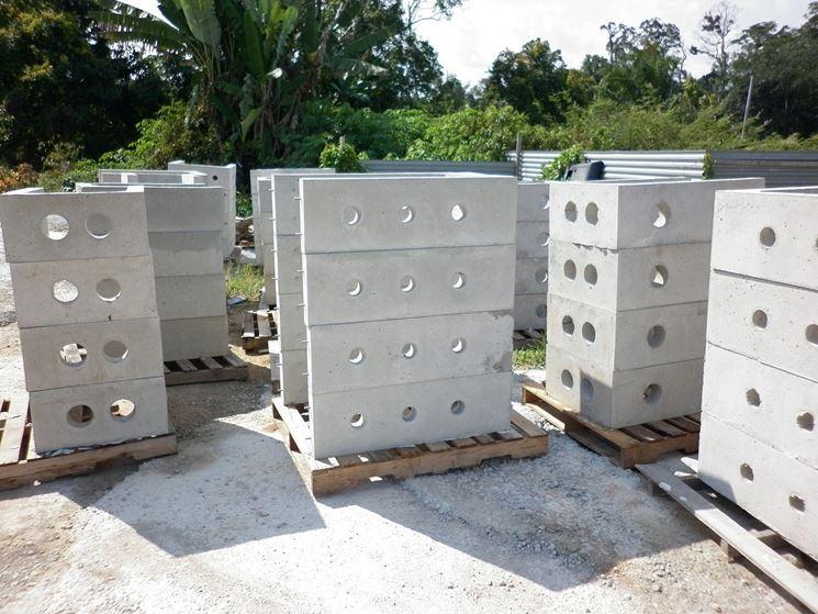 Alcuni pozzetti in cemento