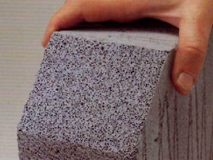 La microporosità interna tipica del Siporax, il calcestruzzo cellulare areato