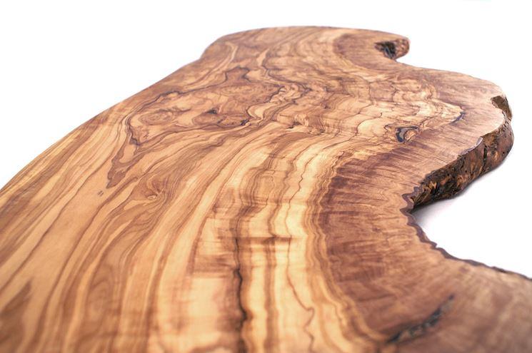 Le venature del legno d'ulivo