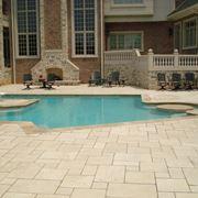 Esempio di pavimentazione per piscine