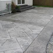 Pavimento per esterno carrabile in cemento stampato