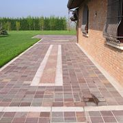 Pavimentazioni per esterni con motivi geometrici