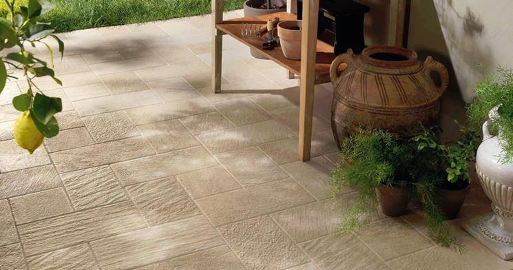 Pavimenti per esterni pavimento da esterno - Gres porcellanato da esterno ...