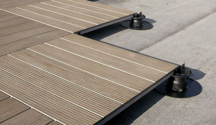 Pavimenti sopraelevati per esterni pavimento da esterno - Pavimento flottante esterno ...