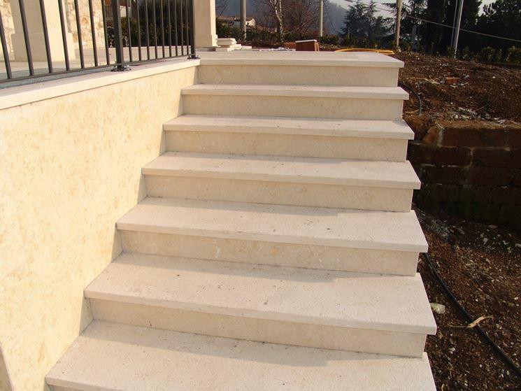 Piastrelle scala esterna pannelli termoisolanti for Scale esterne in marmo