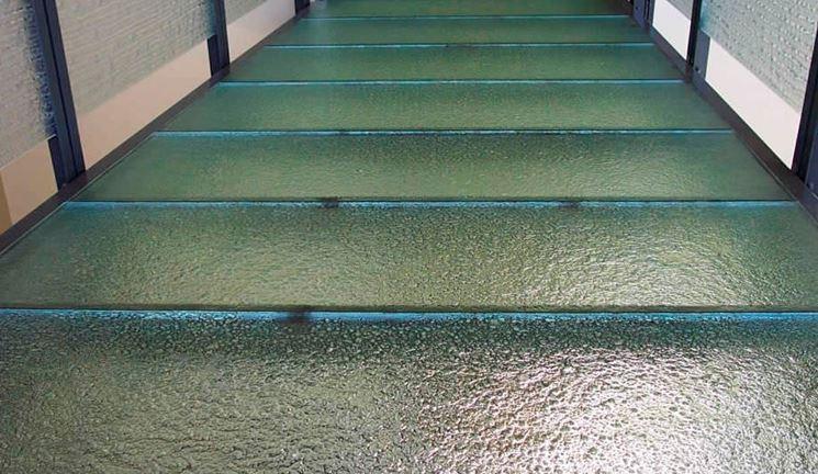 Pavimenti in vetro pavimento da interno tipologie - Tappeti trasparenti per parquet ...