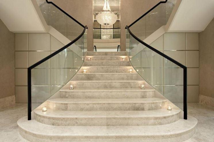 Scala in marmo bianco ev15 regardsdefemmes for Scale in marmo per interni moderne