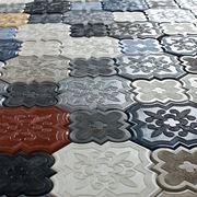 Mattonelle in cemento colorato