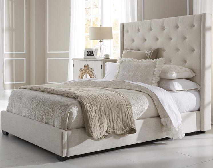 Elegante letto imbottito