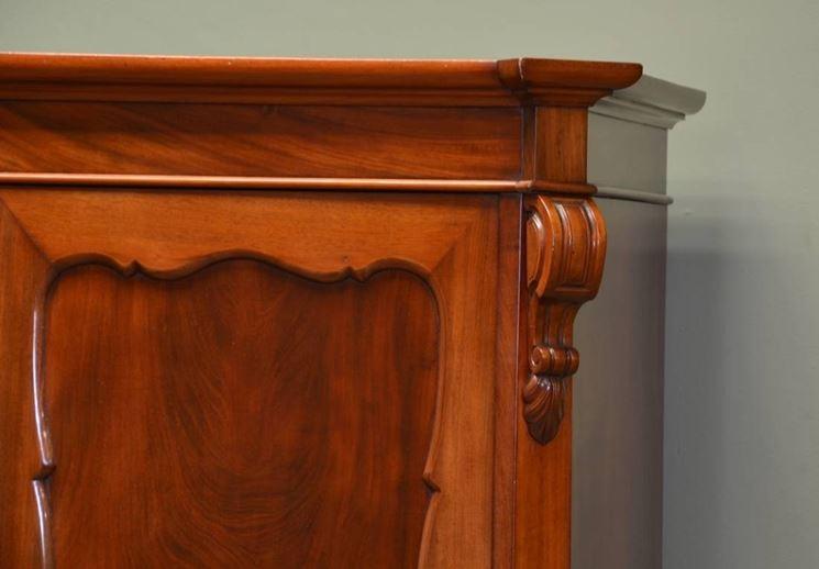 Mobili antichi arredamento tipologie di mobili antichi for Piccoli mobili antichi
