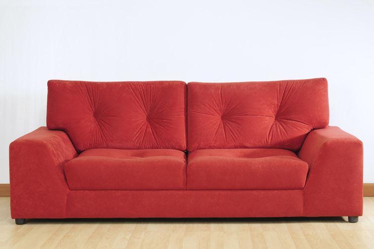 Un divano a due posti