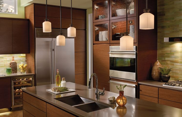 Cucina con lampadari di design