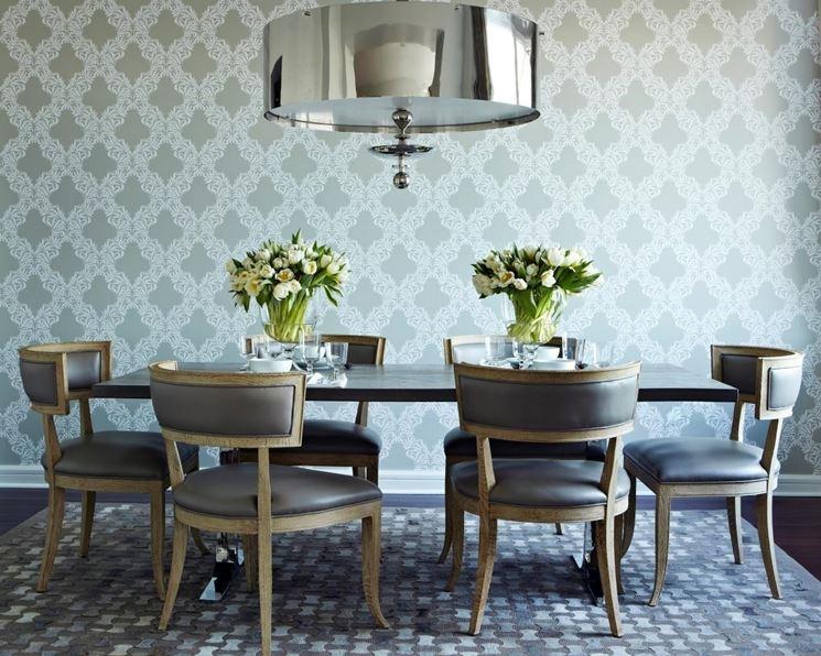 lampadario moderno in sala da pranzo vintage
