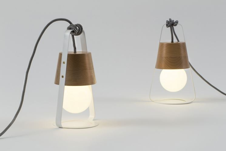 Lampada da tavolo design tavoli consigli lampade da - Lampada da tavolo di design ...