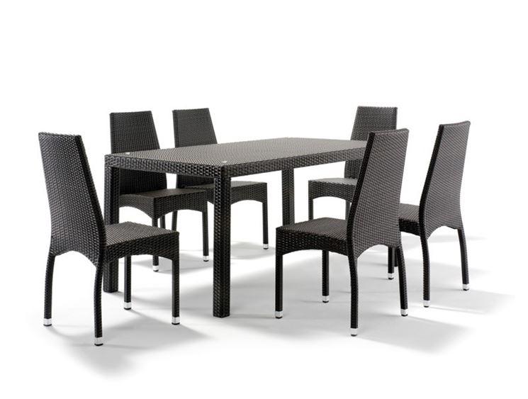 Tavolo da esterno in rattan