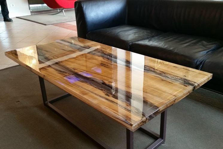 Tavoli resina legno