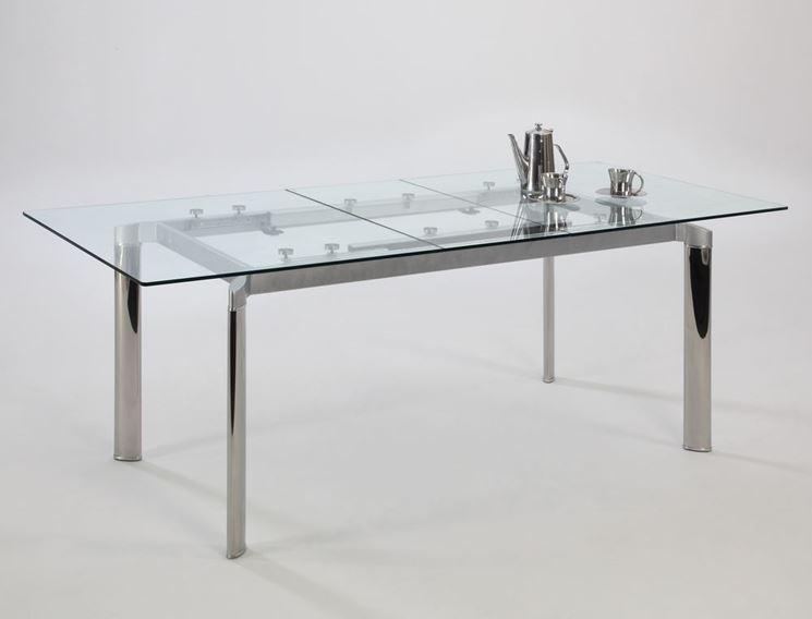 Tavolo in vetro e metallo