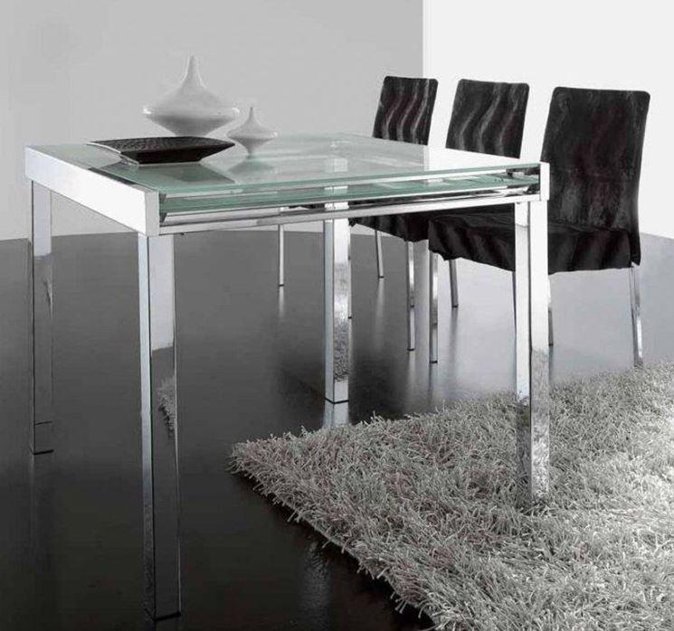 Tavolo da soggiorno in cristallo