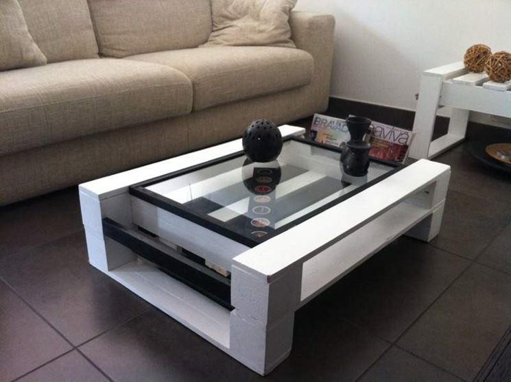 Esempio di tavolo da salotto riciclato