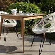 Tavolo da giardino in stile moderno