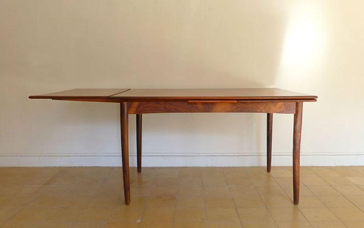 Tavolo in legno estensibile